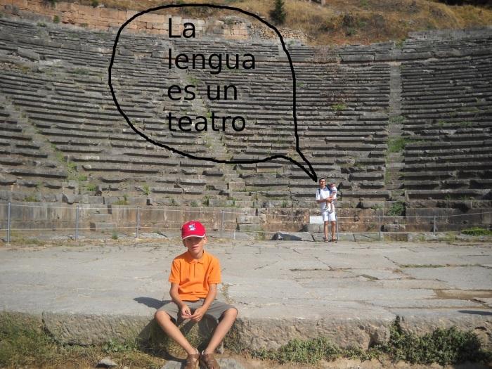 Foto en el teatro de Delfos. 2011
